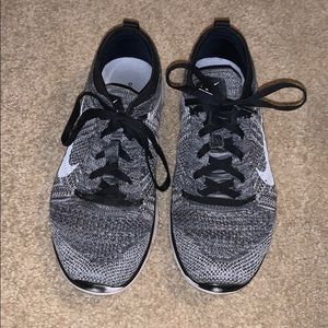 Gray/Black Nike Free TR Flyknit Shoes